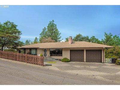 Roseburg OR Single Family Home For Sale: $265,000