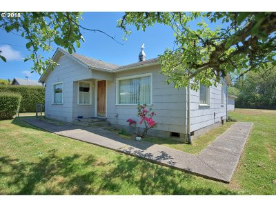 Coos Bay Single Family Home For Sale: 90804 Travis Ln
