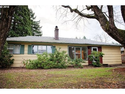 Portland Single Family Home For Sale: 1916 NE 125th Ave