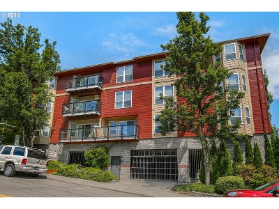 Condo/Townhouse For Sale: 1033 SW Gibbs St #102