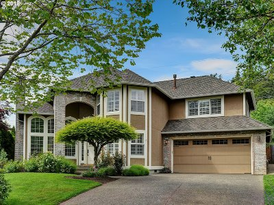 Lake Oswego Single Family Home For Sale: 13984 Chelsea Dr