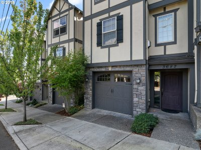 Condo/Townhouse For Sale: 3682 SW Baird St
