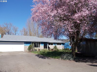 Woodburn Single Family Home For Sale: 2149 Molalla Rd