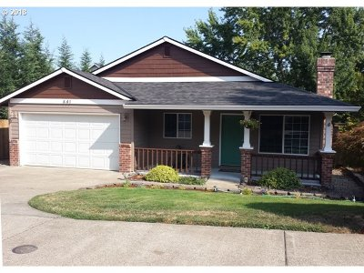 Hillsboro Single Family Home For Sale: 441 SE 68th Ave