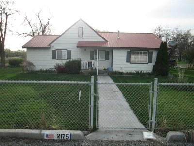 Hermiston Single Family Home For Sale: 2175 NW Geer Rd