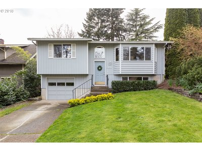 West Linn Single Family Home For Sale: 2060 Walden St