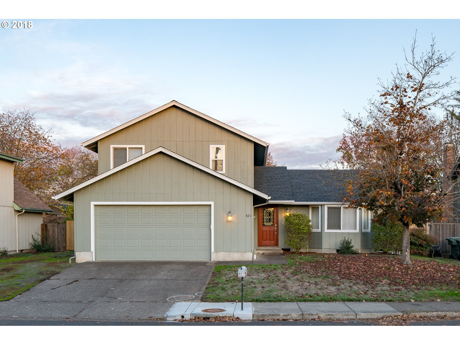 3 bed / 2 full, 1 partial baths Home in Eugene for $325,000