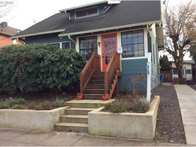 Portland Single Family Home For Sale: 1620 NE Dekum A And B St #2