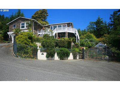 Gold Beach Single Family Home For Sale: 29807 Hound Dog Rd