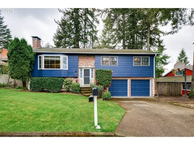 Portland Single Family Home For Sale: 13200 NW Pettygrove St