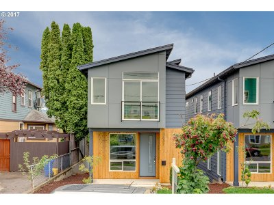Portland Single Family Home For Sale: 3637 SE 28th Ave