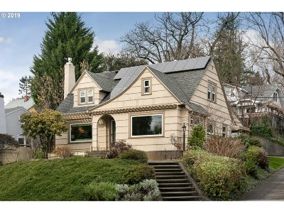 Portland Single Family Home For Sale: 4359 NE Davis St