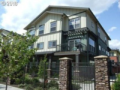Happy Valley Condo/Townhouse For Sale: 11264 SE Causey Cir