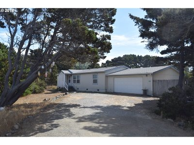 Gold Beach OR Single Family Home For Sale: $215,000