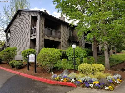 Beaverton Condo/Townhouse For Sale: 9580 SW 146th Ter #2