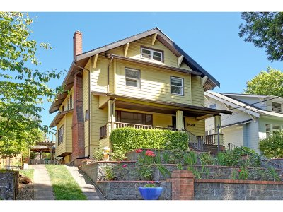 Portland Single Family Home For Sale: 3429 NE Pacific St
