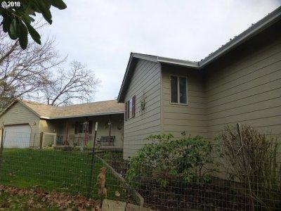 Roseburg Single Family Home For Sale: 3508 Hughes St #3527