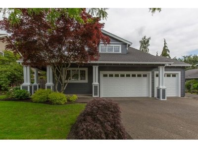 West Linn Single Family Home For Sale: 2375 Rogue Way