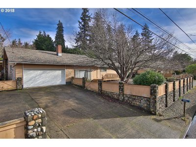North Bend Single Family Home For Sale: 2525 Oak