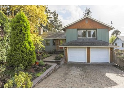 Tualatin Single Family Home For Sale: 8700 SW Yakima Ct