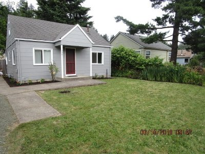 Springfield Single Family Home For Sale: 856 Water St