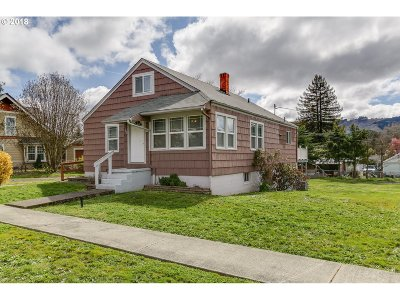 Sutherlin Single Family Home For Sale: 362 E Third Ave