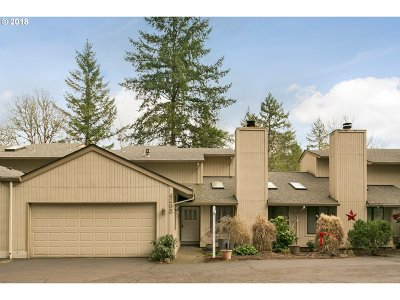 Lake Oswego Single Family Home For Sale: 4298 Woodside Cir