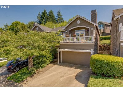West Linn Single Family Home For Sale: 3022 Club House Ct