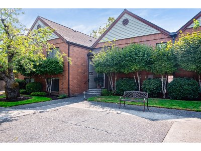 King City Condo/Townhouse For Sale: 11992 SW Royalty Ct