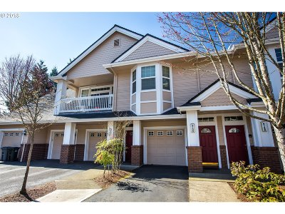 West Linn Condo/Townhouse For Sale: 4155 Summerlinn Dr