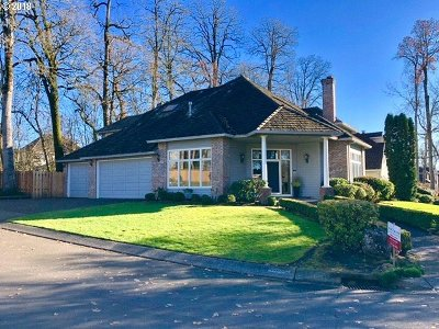 Lake Oswego Single Family Home For Sale: 5064 Hastings Dr