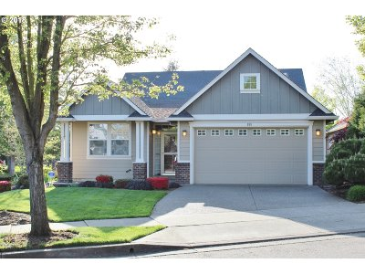 Woodburn Single Family Home Sold: 881 Fairwood Cres