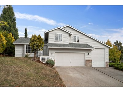 Troutdale Single Family Home For Sale: 303 SW 27th Way