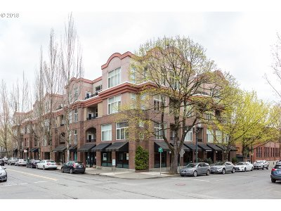 Condo/Townhouse For Sale: 618 NW 12th Ave #303