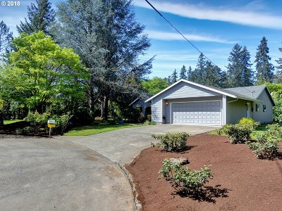 Lake Oswego Single Family Home For Sale: 19253 Childs Ct