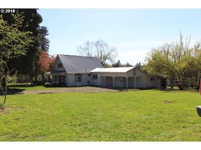Gresham Single Family Home For Sale: 8243 SE 322nd Pl