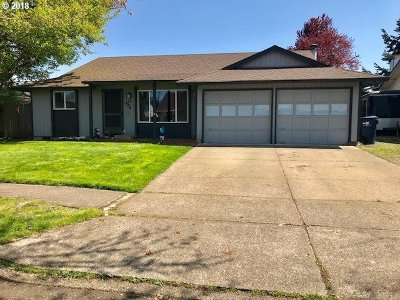 Springfield Single Family Home For Sale: 383 38th Pl