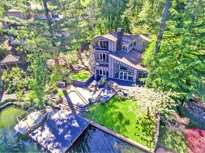 Lake Oswego Single Family Home For Sale: 1115 Lake Front Rd