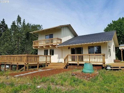 Coquille OR Single Family Home For Sale: $199,900