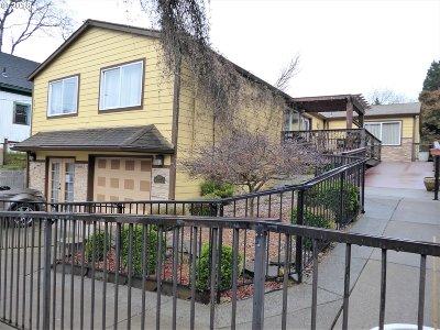 Portland Single Family Home For Sale: 2932 NE Glisan St