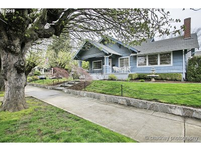 Portland Single Family Home For Sale: 2032 NE 48th Ave
