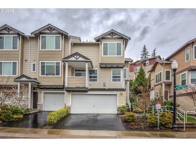Beaverton Condo/Townhouse For Sale: 15135 SW Warbler Way #104