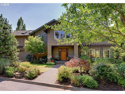 Portland Single Family Home For Sale: 2209 NW Crestview Way