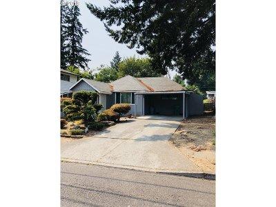 Portland Single Family Home For Sale: 165 NE 165th Ave