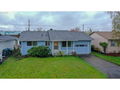 Woodburn Single Family Home For Sale: 1438 Rainier Rd
