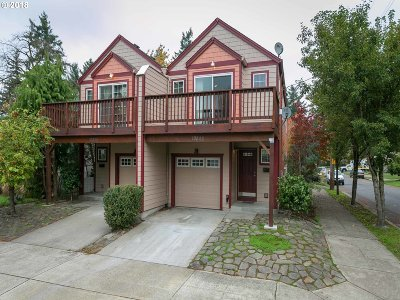 Portland OR Multi Family Home For Sale: $539,900