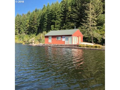 Single Family Home For Sale: Tahkenitch Lake
