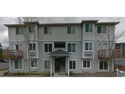 Portland Condo/Townhouse For Sale: 217 NE 146th Ave #23
