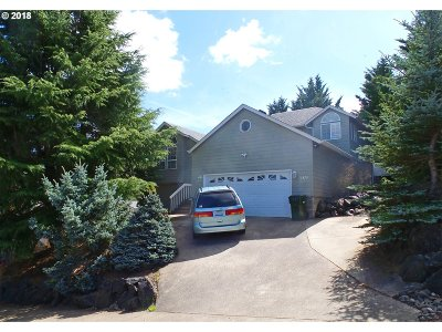Roseburg Single Family Home For Sale: 2375 NW Canterbury Dr