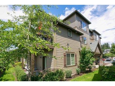 Washington County Condo/Townhouse For Sale: 21462 NW Miriam Way